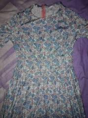 Отдам платье 44 размера