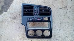 Консоль панели приборов. Nissan Primera, P11E, P11