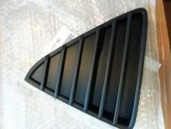 Решетка в бампер 1718737 Ford Focus 3