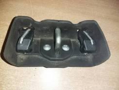 Ответная часть замка багажника с крышкой A1687400132, A1686930117 Mercedes Benz A140/160 W168