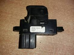 Кнопка стеклоподъемника 25411EA00A 6-контактов Nissan Navara (D40)