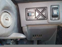 Кнопка управления зеркалами. Subaru Leone
