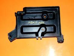 Кронштейн под аккумулятор. Mazda MPV, LWEW Двигатели: FS, FSDE