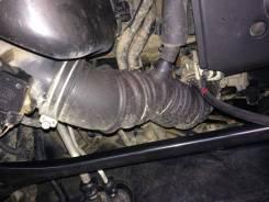 Патрубок воздухозаборника. Toyota Kluger V, ACU25, ACU25W, ACU20 Двигатель 2AZFE