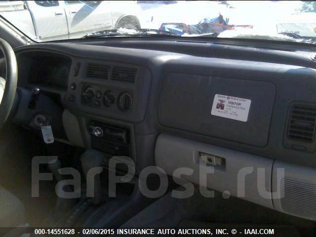 Петля капота Mitsubishi Montero Sport
