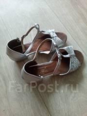 Туфли бальные. 32