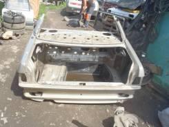 Задняя часть автомобиля. Audi 100, 44Q