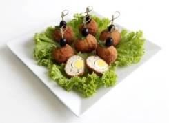 Куриные шарики с перепелиным яйцом (7 шт.) (Праздничное меню)