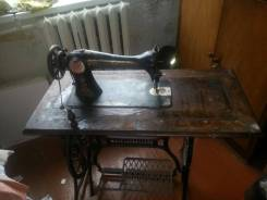Швейная машинка антиквариат с ножным приводом Original. Оригинал