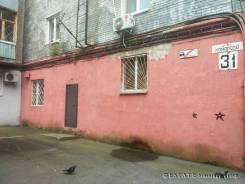 НЕдорого! Отдельный вход. 204 м в центре города. Улица Прапорщика Комарова 31, р-н Центр, 204 кв.м.
