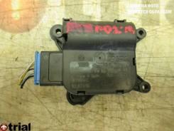 Моторчик привода заслонок печки Volkswagen,Audi Golf V,Caddy III,Touran,Golf V,A3, передний