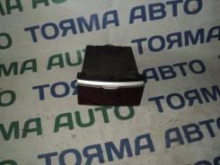 Бардачок. Toyota Premio