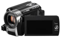Panasonic SDR-H81. Менее 4-х Мп, с объективом