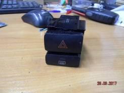 Кнопка включения аварийной сигнализации. Toyota Corolla, ZZE121, CDE120, ZZE120, ZZE121L, ZZE120L, NDE120 Toyota Corolla Spacio, ZZE124, ZZE124N, ZZE1...