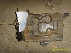 Корпус аккумулятора (крепление/подставка) Nissan Almera N16 2000-2006