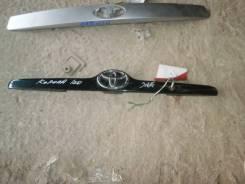 Накладка двери(крышки) багажника Toyota Corolla E120 Toyota Corolla