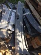 Панель замка багажника. Toyota Ipsum