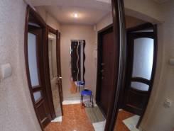 2-комнатная, улица Побратимов 17. частное лицо, 42,0кв.м. Прихожая