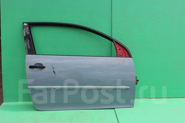 Дверь передняя правая 3х двер. купе Фольксваген Гольф 5. Volkswagen Golf