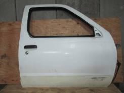 Дверь передняя правая Nissan Datsun D22