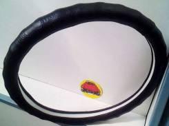 Чехол (оплетка) на руль кожзам черная с рисунком размер M 37-38 см арт 9029