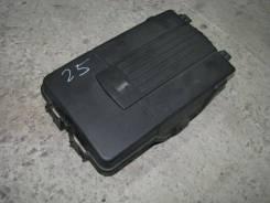 Крышка аккумулятора VW Passat (B7) 2011> 1.4 CAXA