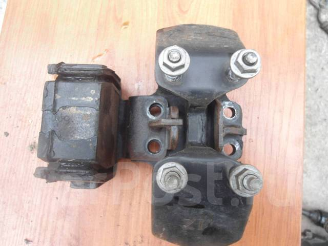 Подушка коробки передач. Toyota Origin, JCG17 Toyota Progres, JCG11, JCG10 Двигатели: 2JZGE, 1JZGE