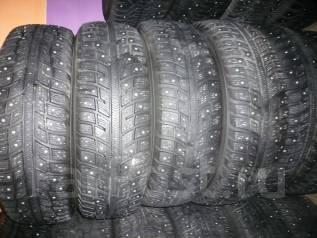 Kumho I'Zen KW22. Зимние, шипованные, 2011 год, износ: 20%, 4 шт