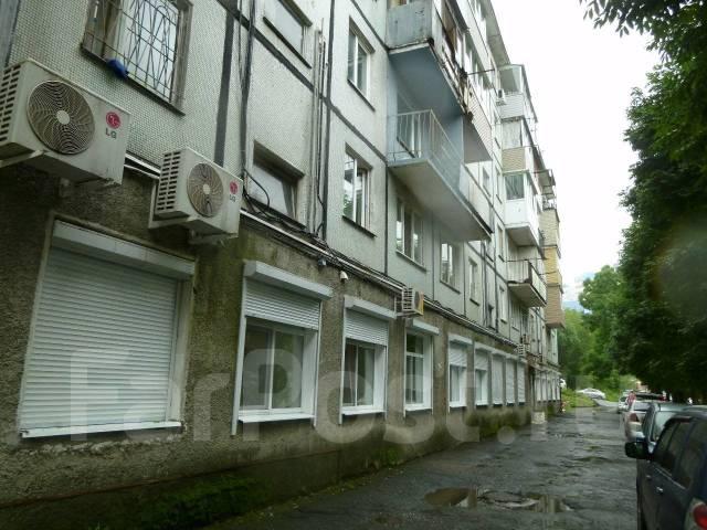 Продаю помещение под готовый офис с ремонтом с отдельным входом. Улица Котельникова 4, р-н Третья рабочая, 473 кв.м. Дом снаружи