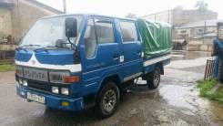 Toyota Toyoace. Продам двухкабинный бортовой грузовик с тентом, 2 700 куб. см., 1 250 кг.