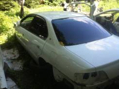 Задняя часть автомобиля. Honda Inspire, UA5, UA4 Honda Saber, UA5, UA4