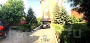 Продается Коттедж на Седанке. 15 соток земли. Площадь 380 м2. Улица Серова 49, р-н Седанка, площадь дома 382 кв.м., централизованный водопровод, элек...