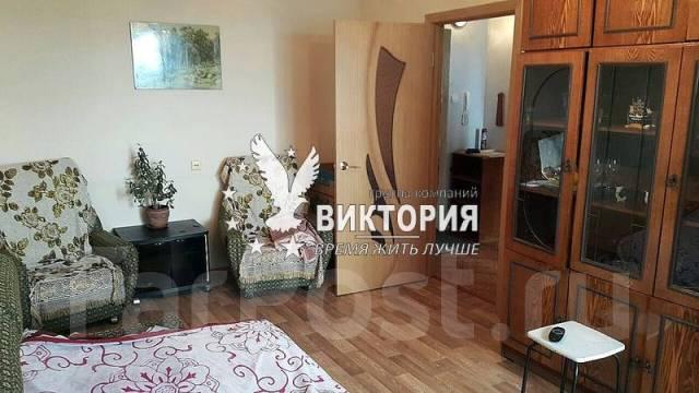 1-комнатная, улица Ульяновская 11. комсомольская, агентство, 37 кв.м. Комната