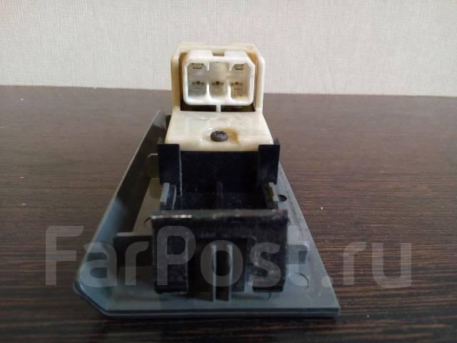 Блок управления стеклоподъемниками. Mitsubishi Canter