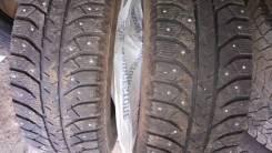 Bridgestone Ice Cruiser 7000. Зимние, шипованные, 2012 год, износ: 10%, 2 шт