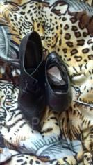 Женская обувь. 39