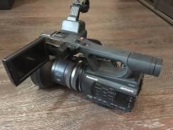 Panasonic AG-AC90EN. с объективом