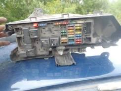 Блок предохранителей под капот. Volvo S80
