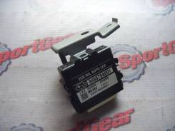 Блок управления светом. Subaru Forester, SG5 Двигатели: EJ205, EJ203
