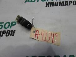 Кнопка стеклоподъемника Nissan Almera Classic (B10)