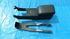 Подлокотник. Infiniti G35 Infiniti G37, V36 Infiniti G20 Infiniti G25, V36 Nissan Skyline, V36, PV36, NV36, KV36 Nissan Infiniti G37, CV36, HV36 Двига...