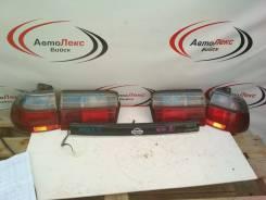Вставка багажника. Nissan Avenir, W10