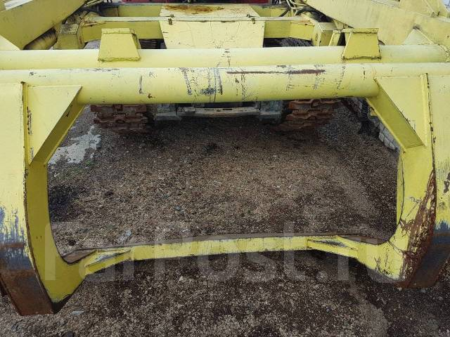 Лестехком МСН-10. Продается челюстной погрузчик, 2 000 куб. см., 3 000 кг., 12 500,00кг.