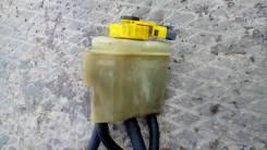Бачок для тормозной жидкости. Saab 9000, YS3C