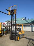 TCM. Погрузчик с двигающейся кареткой, 2 500 кг.