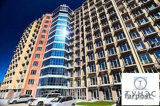 3-комнатная, улица Четвертая 6д. Океанская, проверенное агентство, 115 кв.м. Дом снаружи