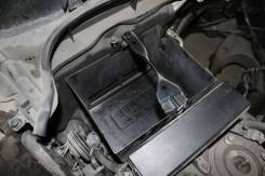Крепление аккумулятора. Lexus: IS350C, IS300, GS450h, GS350, GS250, GS460, IS250, IS250C, IS220d, IS350, IS300h, IS F, GS300, GS430 Двигатели: 2GRFSE...