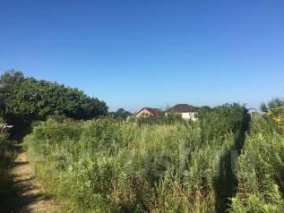 Участок в котеджном поселке не далеко от моря. 1 500кв.м., собственность, вода, от частного лица (собственник). Фото участка