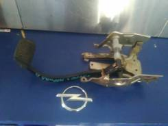 Педаль тормоза. Opel Meriva Двигатели: Z16LET, Z13DTJ, Z16XEP, Y13DT, Z17DT, Z16SE, Z14XEP, Z17DTH, Y17DT, Z13DT, Z17DTR, Z18XE, Z16XE