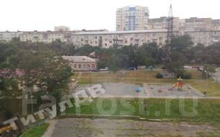 Гостинка, улица Морозова 7. Эгершельд, проверенное агентство, 24 кв.м. Вид из окна днём